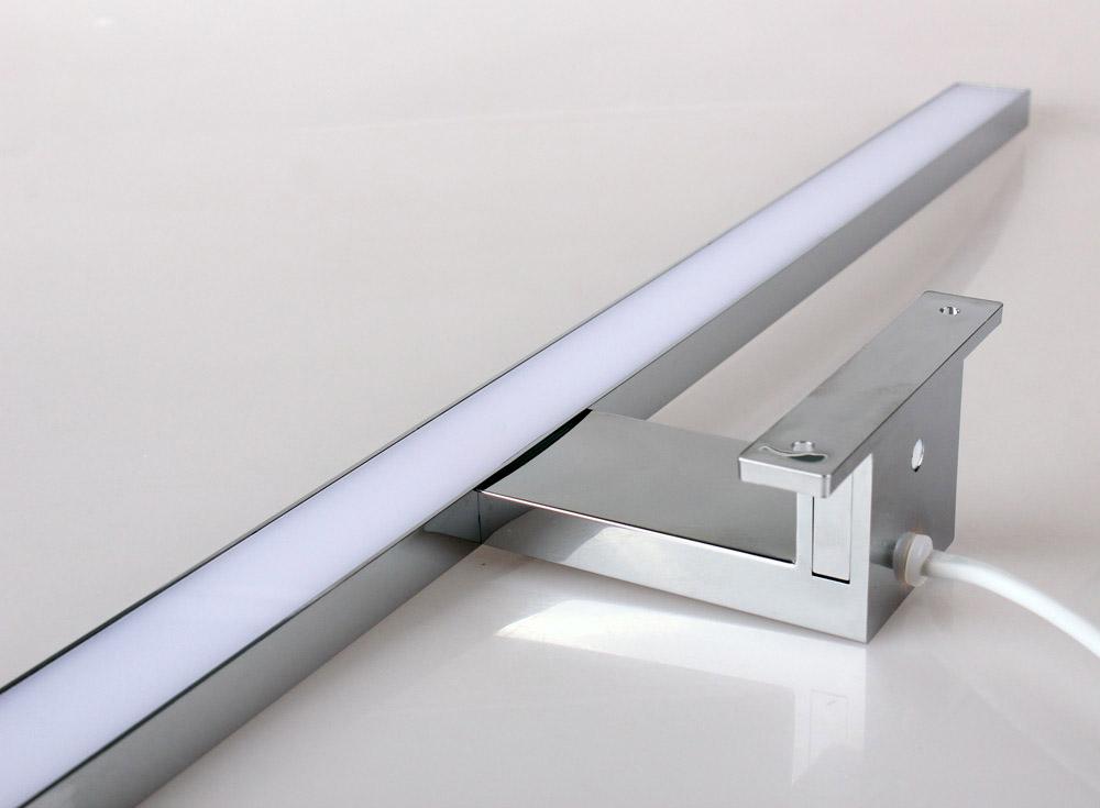 LED- Leuchte für Spiegelschränke 60cm 8W