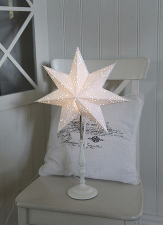 Standard Lamp Star with Paper Star and Wooden Foot white – image 2