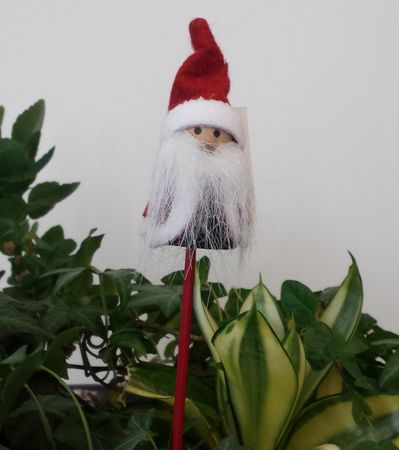 SALE!! Wooden Stick Christmas, Wooden Pick Santa Claus for flower pots red Motive 5