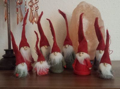 Small Gnomes set of 3 diff. sizes grey, red, green seasonal kids – image 1