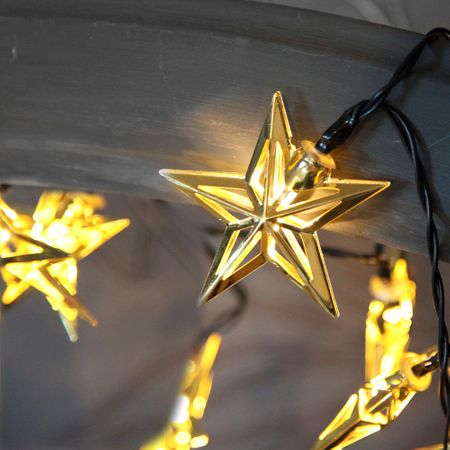 Metal Stars LED Chain of Lights with 10 lights battery-operated with timer – image 3