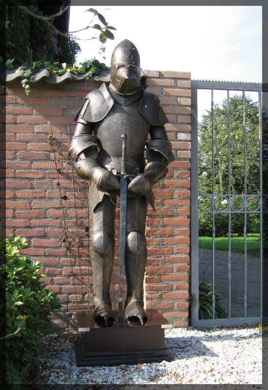 Tragbare Ritterrüstung Ritter mit Schwert 185cm – Bild 4