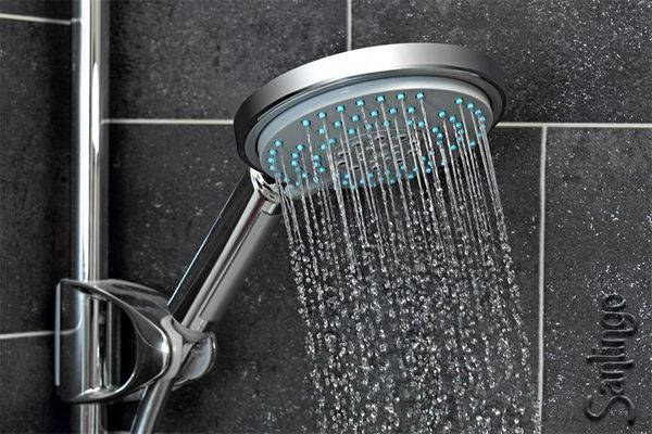 Big Shower Head with 5 spray patterns and anti-limestone knobs – Bild 1