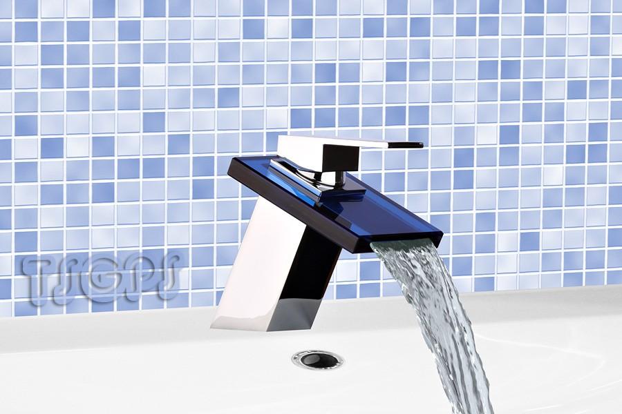 Elegante Moderne Badezimmer Wasserfall Armatur Mit Blauem Glas Bad