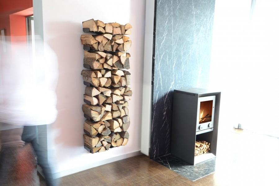 radius design wooden tree regal zur holzaufbewahrung aus stahl. Black Bedroom Furniture Sets. Home Design Ideas