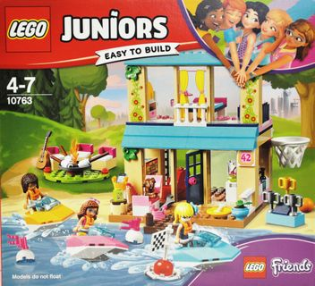 LEGO 10763 Juniors: Stephanies Haus am See [1]