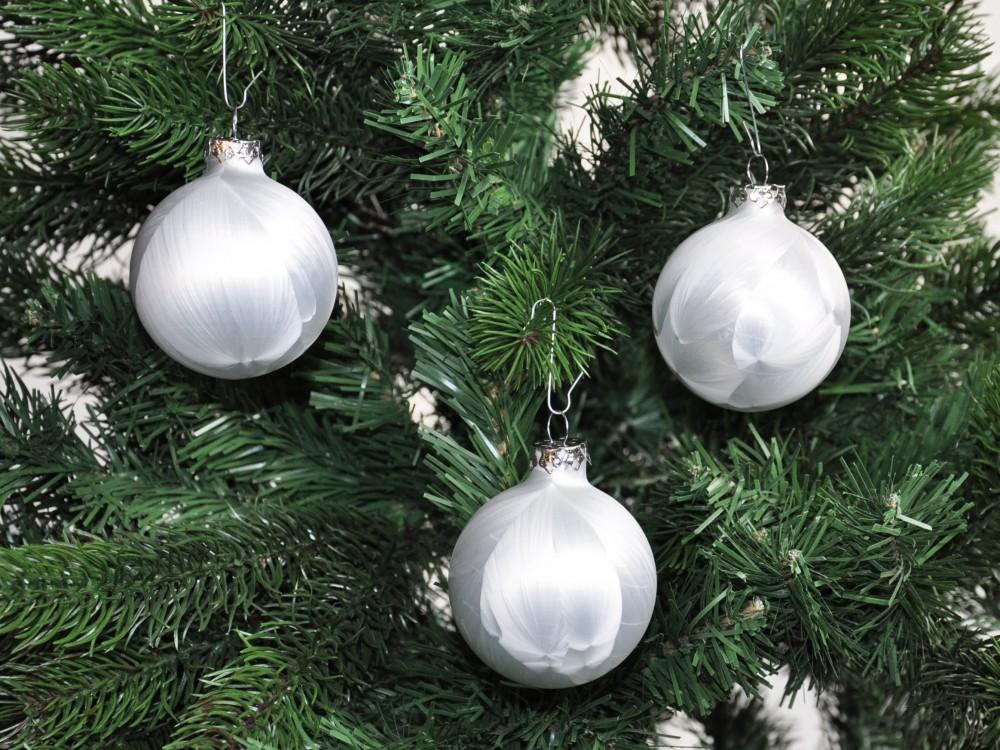 jack eislack glas christbaumkugeln set 15x kugel 6cm 1x spitze 25cm wei box weihnachten. Black Bedroom Furniture Sets. Home Design Ideas