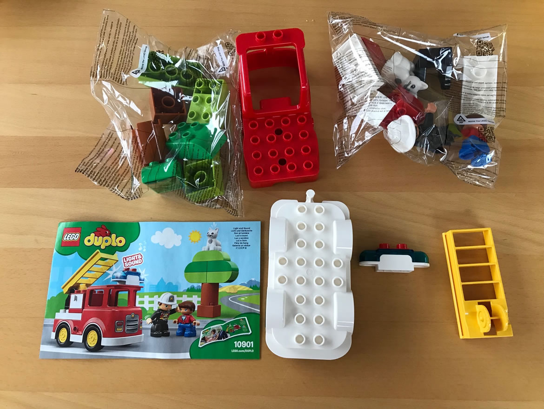 Kartoninhalt 10901 Feuerwehrauto von LEGO Duplo