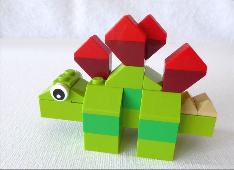 ein grüner Dinosaurier