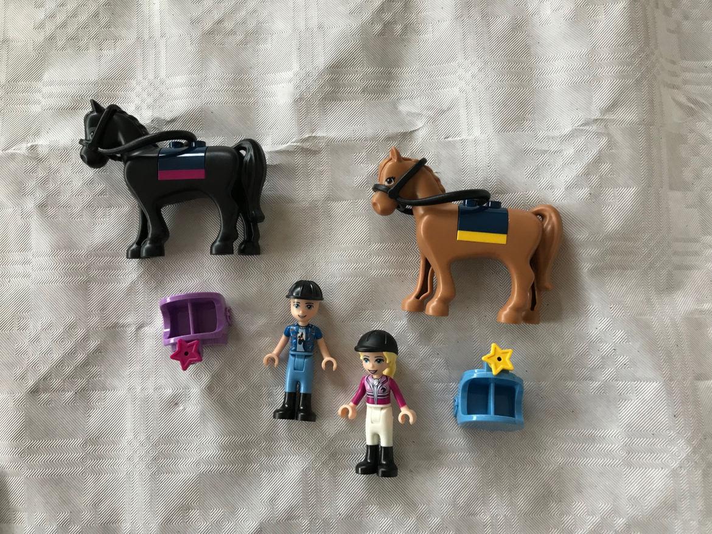 Lego Figuren mit Pferden