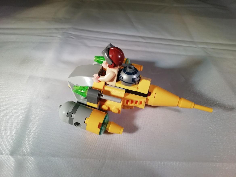 Anakin mit Microfighter seitlich