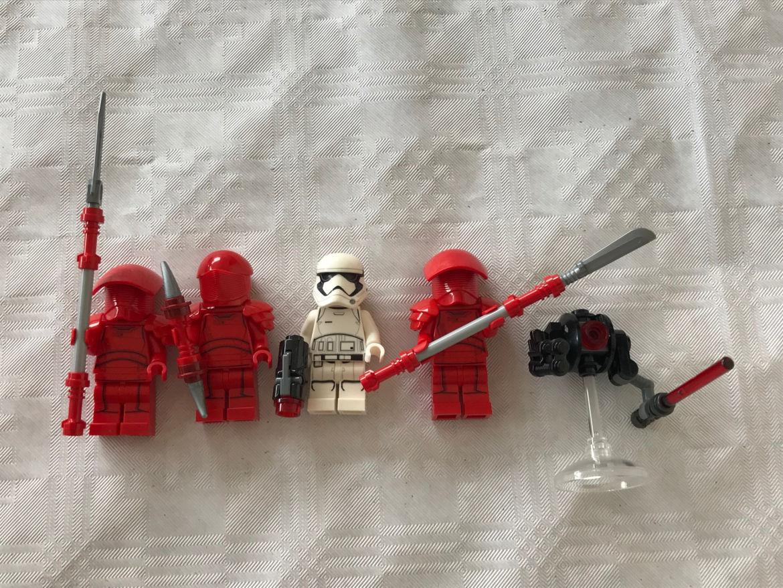 Elite Praetorian Guard Battle Pack rote Figuren mit weißer Figur
