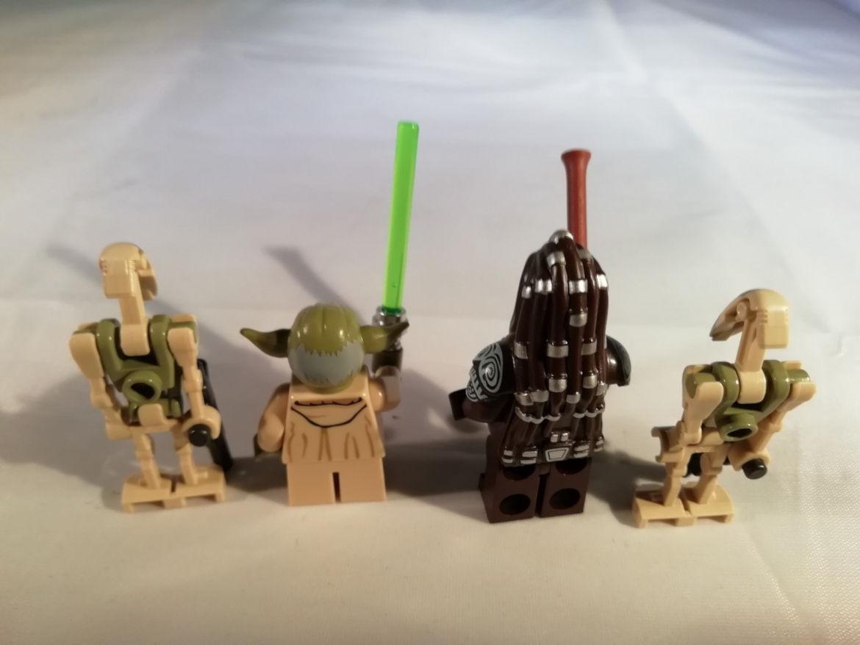 Die 4 Minifiguren Rückansicht