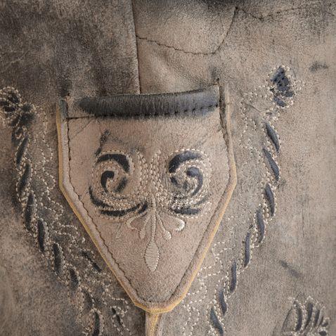 kurze Lederhose Samuel in Hellbraun von Marjo Trachten