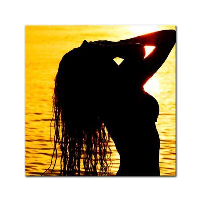 Leinwandbild - Frau im Ozean – Bild 2