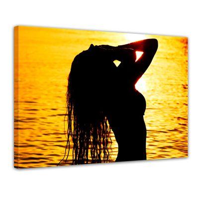 Leinwandbild - Frau im Ozean – Bild 1