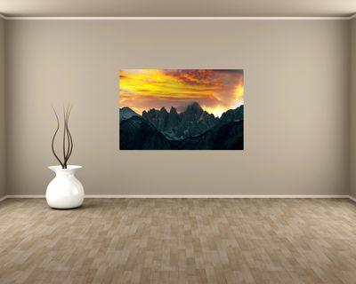 Fototapete - Berglandschaft im Sonnenuntergang – Bild 1