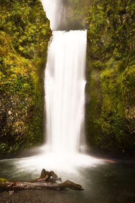 Fototapete - Multnomah Falls in Oregon USA – Bild 2