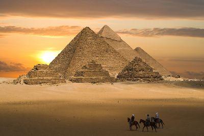 Fototapete - Pyramiden Fantasie – Bild 2