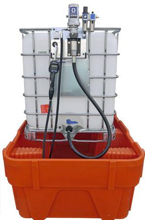 Schmierölpumpenset zur Entnahme aus Gitterbox IBCs: Montagekonsole zum Einhängen an die Gitterbox, 3:1 Druckluftpumpe, Wartungseinheit, 4m Schlauch, Ölzähler mit starrem Auslaufrohr, Saugschlauch zum Anschluss an den Bodenauslauf – Bild 1