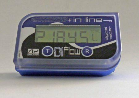 """Adam Pumps Literzähler für wässrige Hanrstofflösung - AdBlue®,  Kunststoffgehäuse mit LCD Anzeige, Durchflussbereich 10-150 l/min., Anschlüsse 1"""" IG, Durchflussrichtung von links nach rechts – Bild 1"""