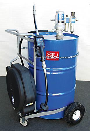Fahrwagen für 200 Liter Fass, 3:1 Druckluftpumpe Modell GRACO® LD, Luftwartungseinheit, Handdurchlaufzähler mit flexiblem Auslauf, GRACO® Schlauchaufroller mit 11m Ölschlauch.