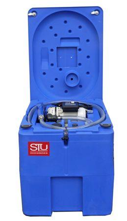 Transporttank für AdBlue® (AUS32) mit 230V Membran Pumpe Inhalt 220 Liter Nutzvolumen, automatische Zapfpistole, 4m Schlauch, Klappdeckel – Bild 1