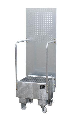 Feuerverzinkte fahrbare Auffangwanne mit Lochplattenwand und Gitterrostauflage, für 1 x 60l Fass, Auffangvolumen 60l, Leergewicht 52kg, Abm.: 570 x 590 x 1775 mm (LxBxH).