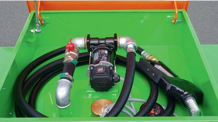 Dieselbox 450 einwandiger Tank aus lackiertem Stahlblech für den Transport auf Pick-Ups und Pritschenfahrzeugen gem. ADR 1.1.3.1c für den unmittelbaren Verbrauch (Handwerkgerregel), ink. 12V Dieselpumpe, 4m Zapfschlauch, autom. Zapfpistole – Bild 4