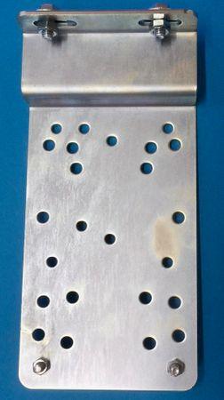 Pumpenkonsole für Kubicus Modelle 100-450 Liter, inkl. Anti-Vibrationsdämpfer – Bild 1