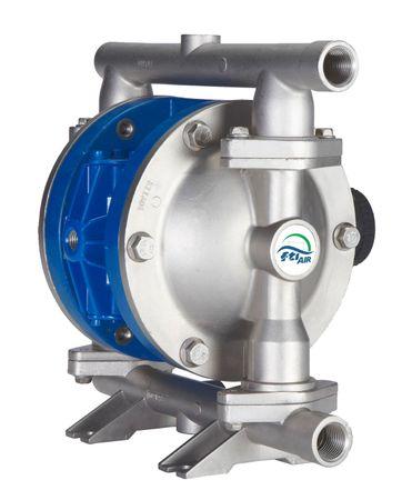 "FTI Air 1/2"" Edelstahl/PTFE Santopren Doppelmembranpumpe max. 77l/min, max, 8,3 bar. Steuerventil + Mittelblock: Aluminium; Gehäuse + Ventilsitze: Edelstahl; Kugeln + Ventilsitz O-Ring: PTFE; Membrane: PTFE/Santopren"