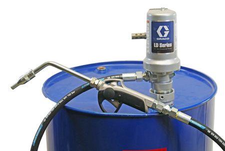 3:1 Druckluft Ölpumpe für 200l Fass GRACO LD Druckluftpumpe, EasyOil Zapfventil, Saugrohr aus Stahl für 200l Fässer, 3m Ölschlauch DN12