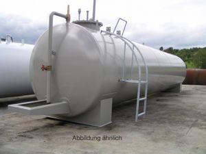 """Dieseltank 10000l DIN 6616/D, innen roh, außen gesandstrahlt, grundiert, lackiert in RAL-Ton, Leckanzeige, Kontrollhahn, Entlüftung, Peilrohr, Peilstab, Füllrohr TW-Verschluss, Eckrückschlagventil, GWG, Saugleitung 11/4"""",  Leiter, Podest 001"""