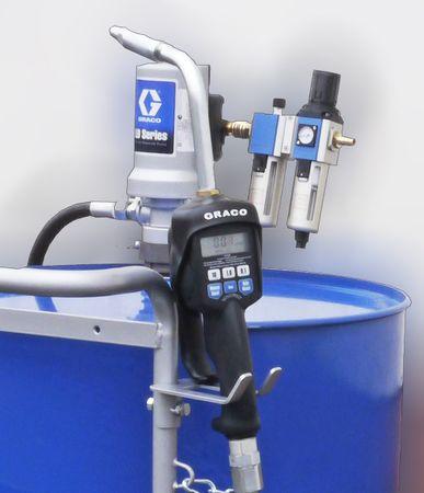 """3:1 Druckluftpumpe Modell GRACO® LD, mit Saugrohr für 200 Liter Fass, 2"""" Gewinde,  Luftwartungseinheit, 4m Schlauch, Handdurchlaufzähler mit Mengenvorwahl, starrer Auslauf – Bild 1"""