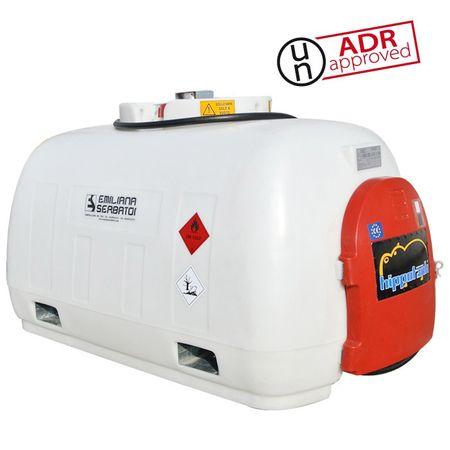 Hippotank 960 Diesel-Transporttank aus HD-PE mit ADR Zulassung, Volumen 960 Liter. Stinseitiges Pumpenfach mit abschließbarer Tür. 12V Dieselpumpe 40l/min., 5m Schlauch, autom. Zapfventil, seitliche Staplertaschen.  – Bild 1