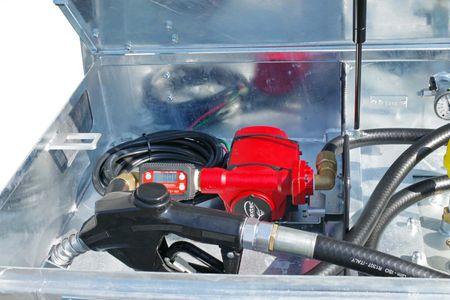 12V - 24V Pumpenset NEXTEC max. 90l/min. für Kubicus Behälter, mit Digitalzählwerk TT10, 4m Zapfschlauch DN25, automatische Zapfpistole mit großem Auslaufrohr max. 120l/min und Drehgelenk. – Bild 2
