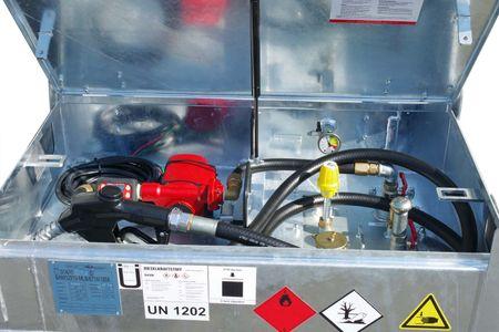 12V - 24V Pumpenset NEXTEC max. 90l/min. für Kubicus Behälter, mit Digitalzählwerk TT10, 4m Zapfschlauch DN25, automatische Zapfpistole mit großem Auslaufrohr max. 120l/min und Drehgelenk. – Bild 1