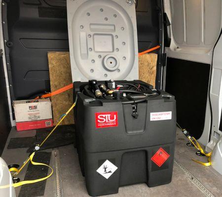 1500mm Verzurrgurt mit Haken inkl. Ratsche und Spitzhaken passend für mobile Dieseltankstelle TechTank 230 – Bild 1