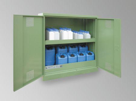Umweltschrank aus Qualitätsstahlblech mit Auffangwanne für jede Lagerebene. 2-türige Ausführung, 2 Lagerebenen, Bodenwanne 3mm Stahlblech mit Ü-Kennzeichnung. Außenmaße 950x500x1000 mm