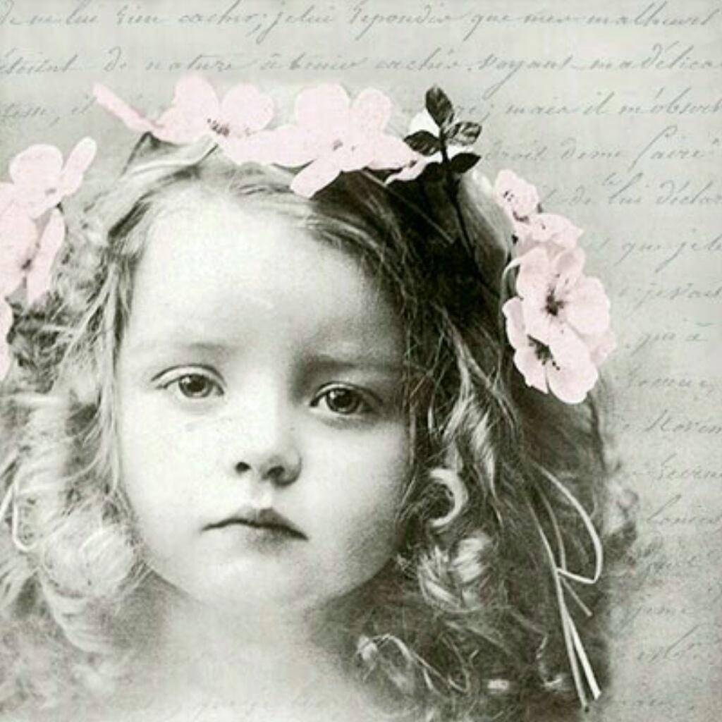 Qualitäts Servietten Vintage Photo Blumen im Haar 20x 3-lagig 33x33cm