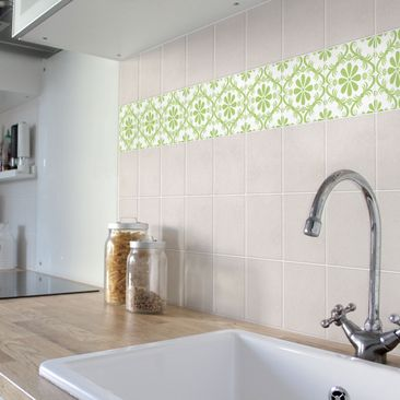 Product picture Tile Sticker - Flower Design White...