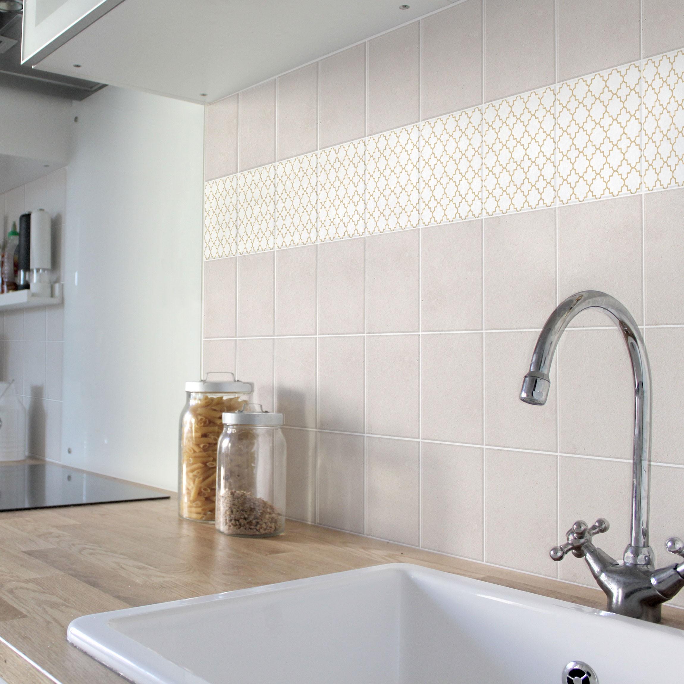 fliesen bord re traditional quatrefoil white light brown 10x10 cm fliesenaufkleber beige. Black Bedroom Furniture Sets. Home Design Ideas