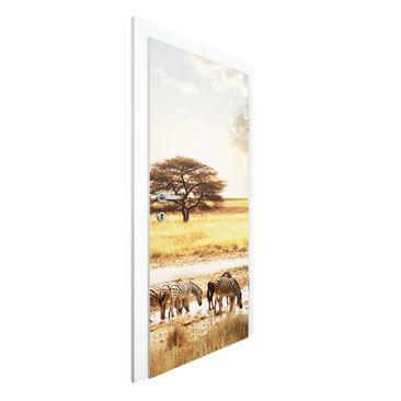 Produktfoto Vliestapete Tür - Das Leben der Zebra -...