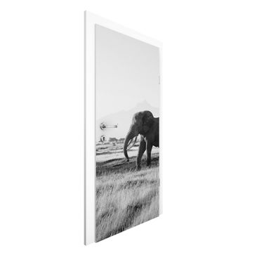 Immagine del prodotto Carta da parati per porte Premium - Elephants before the Kilimanjaro in Kenya II - 215cm x 96cm