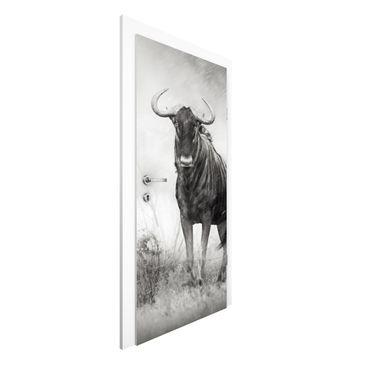 Immagine del prodotto Carta da parati per porte Premium - Staring Wildebeest - 215cm x 96cm