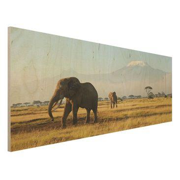 Produktfoto Bild aus Holz - Elefanten vor dem Kilimanjaro in Kenya - Panorama Quer