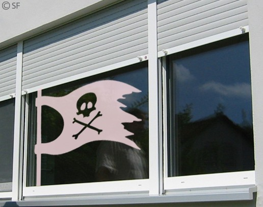 Produktfoto Fensterfolie - Fenstertattoo No.SF966 Piratenflagge - Milchglasfolie