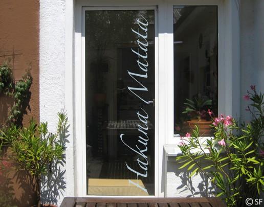 Produktfoto Fensterfolie - Fenstertattoo No.SF970 Hakuna Matata - Milchglasfolie