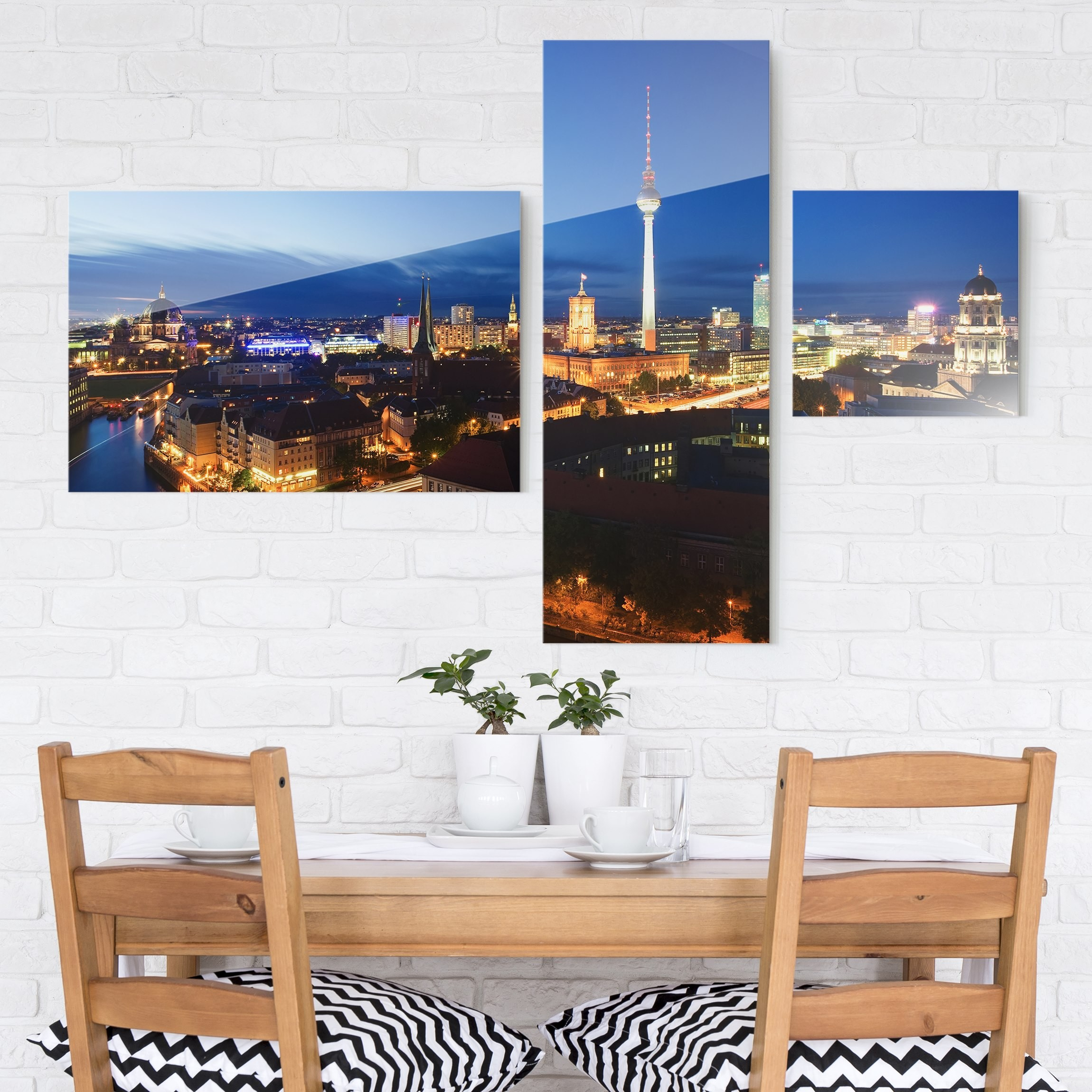 glasbild mehrteilig fernsehturm bei nacht collage 3 teilig. Black Bedroom Furniture Sets. Home Design Ideas