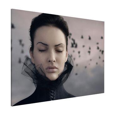 Produktfoto Magnettafel - Porträt einer weinenden Frau - Memoboard Quer 3:4